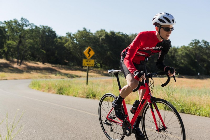Giant_Contend_2017_Road_Bike-0002