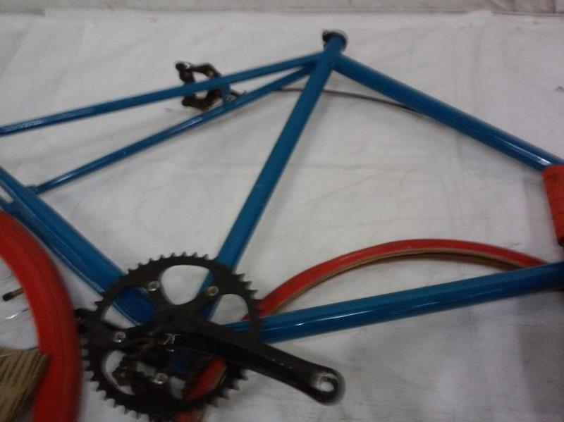 critical-cycles-fixed-gear-single-speed-fixie-urban-road-bike-black-red-med-4b2ac9f35897f6d8c3e265609af1be20